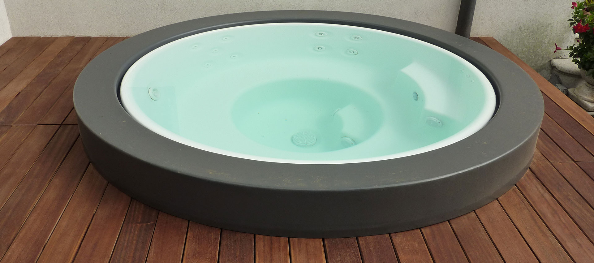 Rivestimento vasca idromassaggio legno iroko