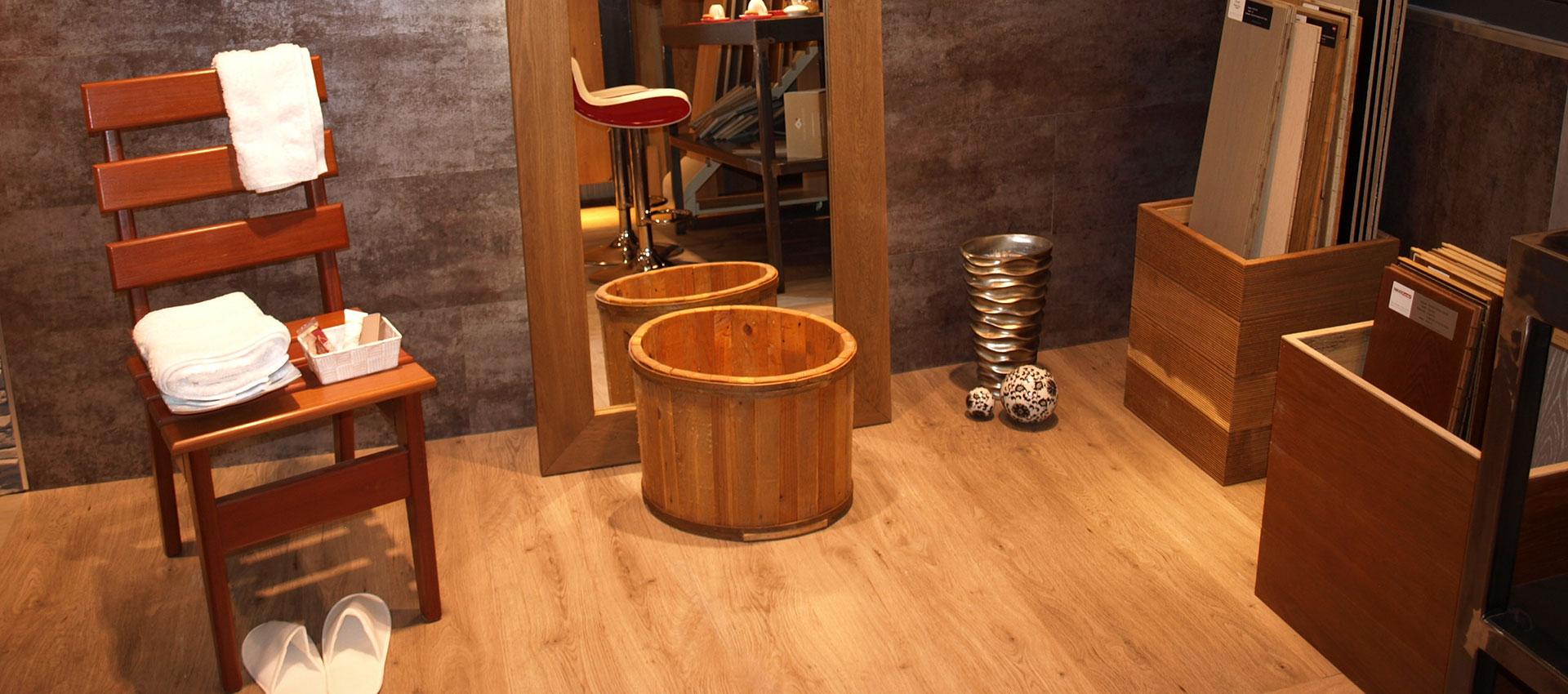 Bagno pavimento e rivestimento in PVC